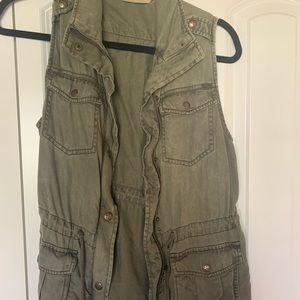 Olive green utility cargo vest